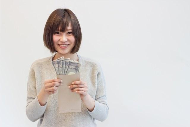 お金を借りた女性