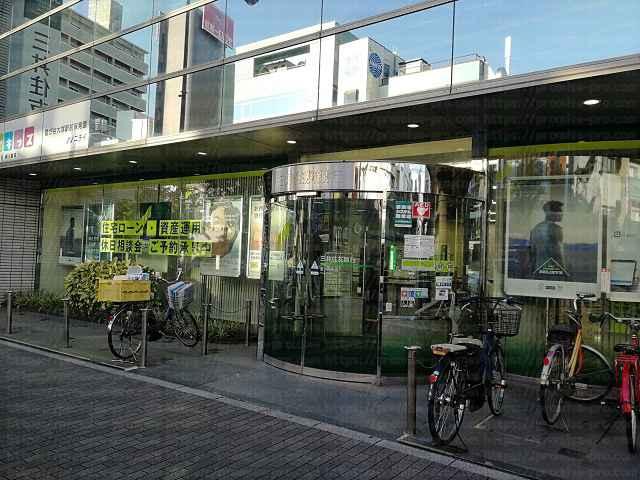 三井住友銀行入口の画像