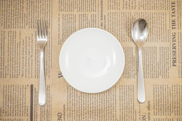 給料日前でも健康的な料理を食べたい!電子レンジで簡単にできる激安レシピを解説